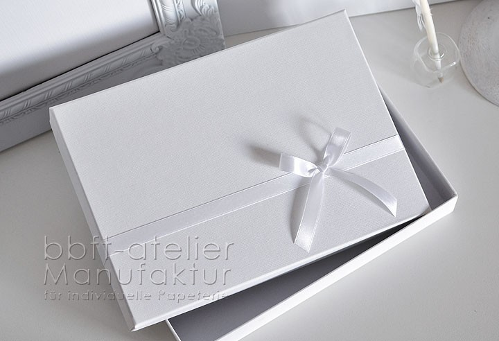 Gaestebuch Schachtel. U003e