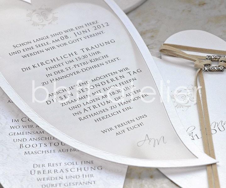 exklusive Hochzeitseinladung in Blattform